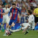 8 Momen Ketika Pemain Melanggar Messi dan Mendapat Kartu Merah