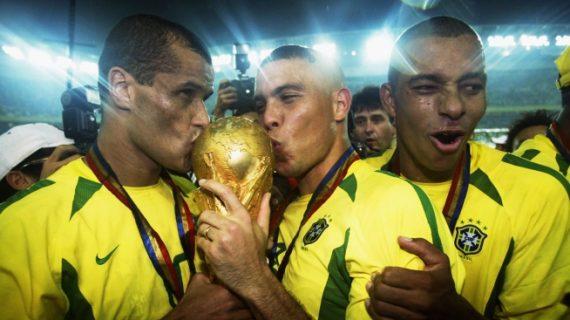 Ronaldo de Lima: Anak Jalanan Yang Berhasil Angkat Trofi Piala Dunia